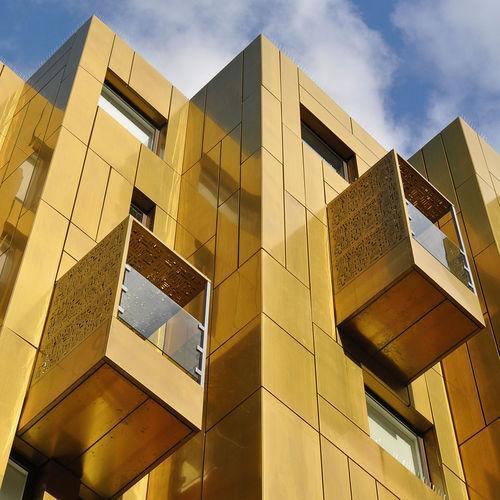 revestimiento de fachada de cobre / de aleación / liso / perforado