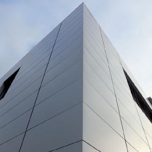 revestimiento de fachada de paneles / de aluminio / liso / multicolor