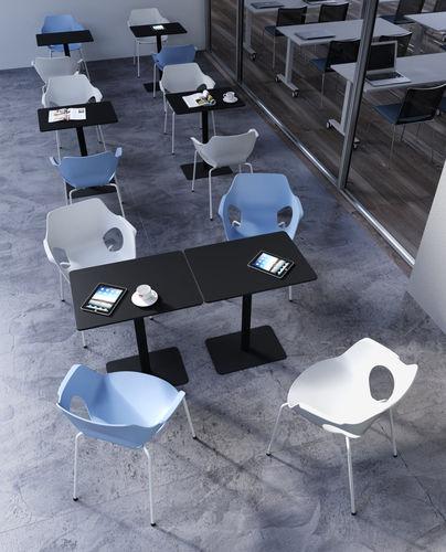 silla contemporánea / tapizada / con reposabrazos / apilable