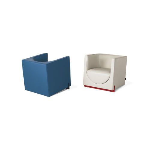 sillón contemporáneo / de tejido / de cuero / a medida