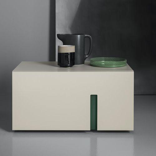 mesilla de noche moderna / de madera lacada / rectangular / beis