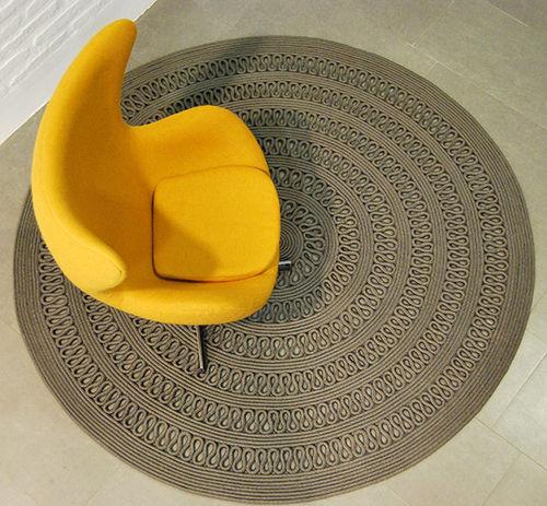 alfombra contemporánea / con motivos / de poliéster / redonda