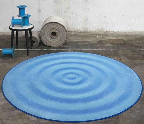 alfombra contemporánea / con motivos / de poliamida / redonda
