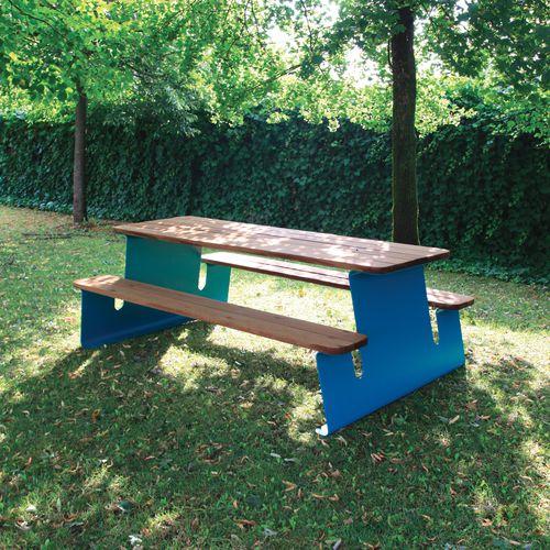 mesa de pícnic contemporánea / de madera exótica / de acero pintado / de chapa de acero