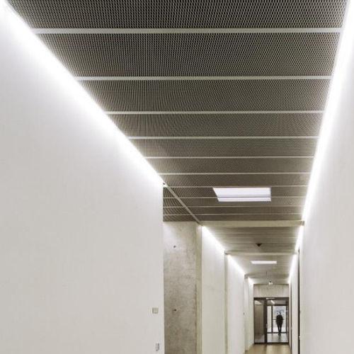 falso techo de aluminio / de acero / de acero inoxidable / tipo panel