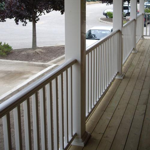 barandilla de vinilo / con barrotes / de exterior / para escalera