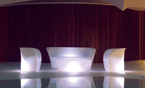 mesa de centro de diseño orgánico - VONDOM