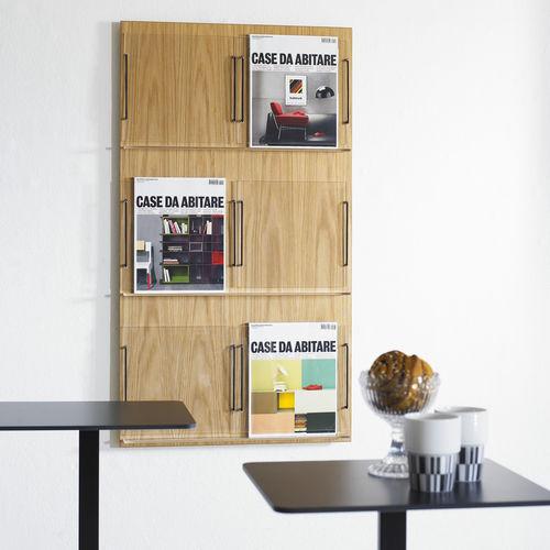 expositor de pared / para folletos / de roble