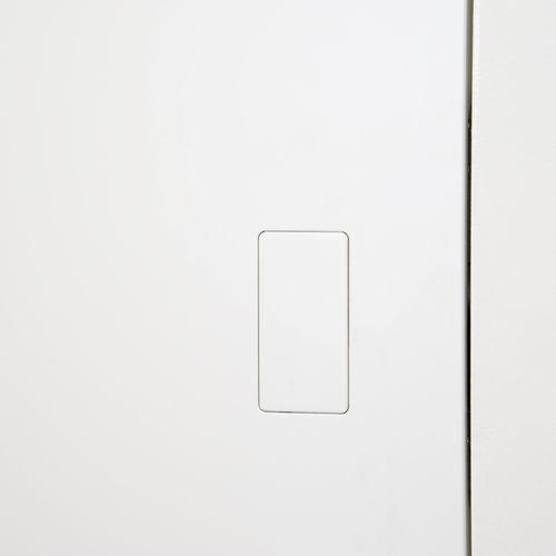 tirador de puerta de metal / contemporáneo