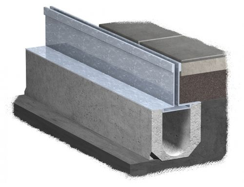 canal de drenaje de metal / de hormigón / con abertura central / para espacio público
