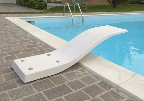 trampolín de piscina