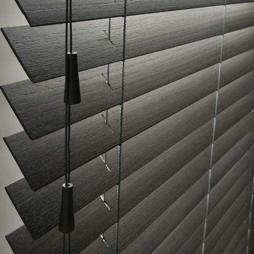 persiana veneciana / de madera / para el sector servicios