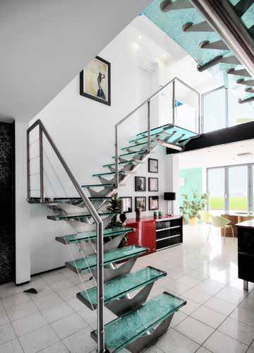 escalera recta / en L / estructura de metal / con peldaños de vidrio