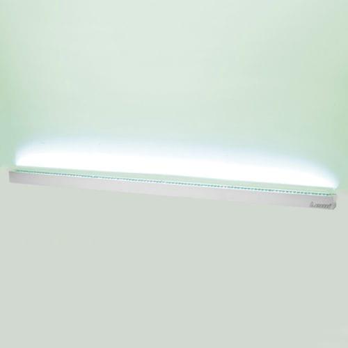 luminaria orientable / empotrable de pared / fluorescente / lineal