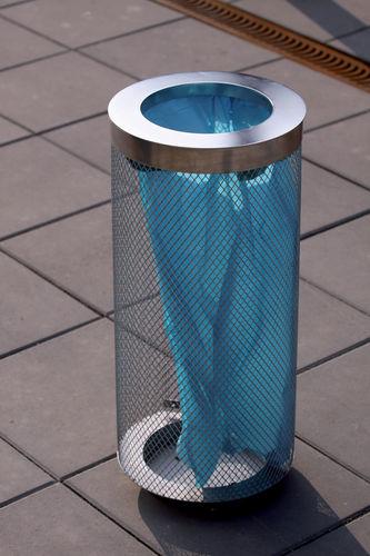 cubo de basura de acero galvanizado