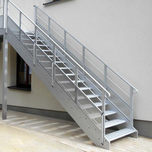 escalera recta / de metal / con peldaños de metal / sin contrahuellas