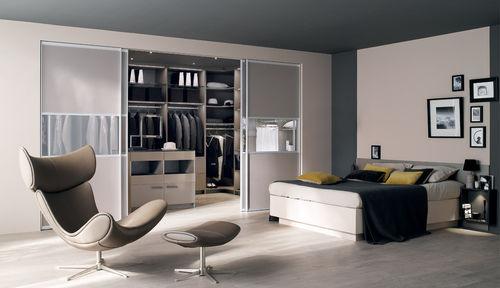 vestidor moderno / de vidrio / de melamina / con puerta corredera