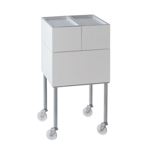 carrito para cuidados / para centro de estética / de metal