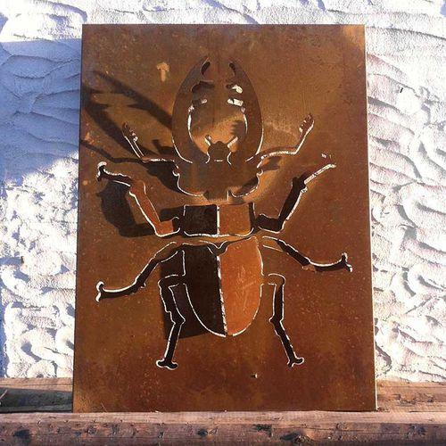 panel decorativo de metal