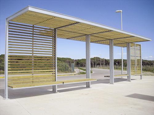 parada de autobús de madera - URBADIS by Microarquitectura