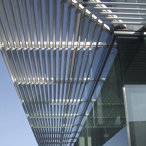 celosía con lamas de aluminio / para fachada / horizontal