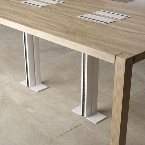 canaleta de cableado de aluminio / para escritorio / profesional / vertical