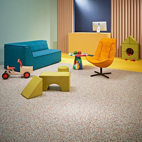 pavimento de vinilo / para el sector servicios / en rollo / texturado