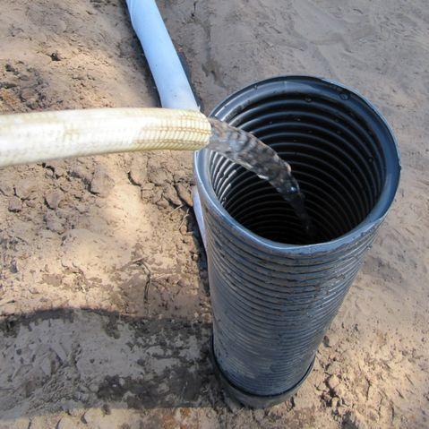 tubo flexible de irrigación