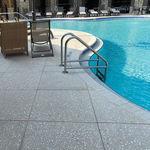 borde de piscina de hormigón