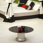 mesa de centro moderna / de vidrio / con base metálica / redonda