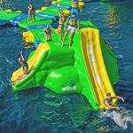 juego hinchable para piscina pública