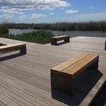 banco público / de diseño minimalista / de madera / de acero galvanizado