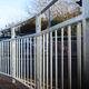 valla para espacio público / de barras / de metal / de seguidad reforzada
