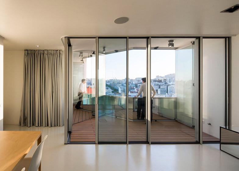 El apartamento de Lisboa extendió por Camarim Arquitectos ...
