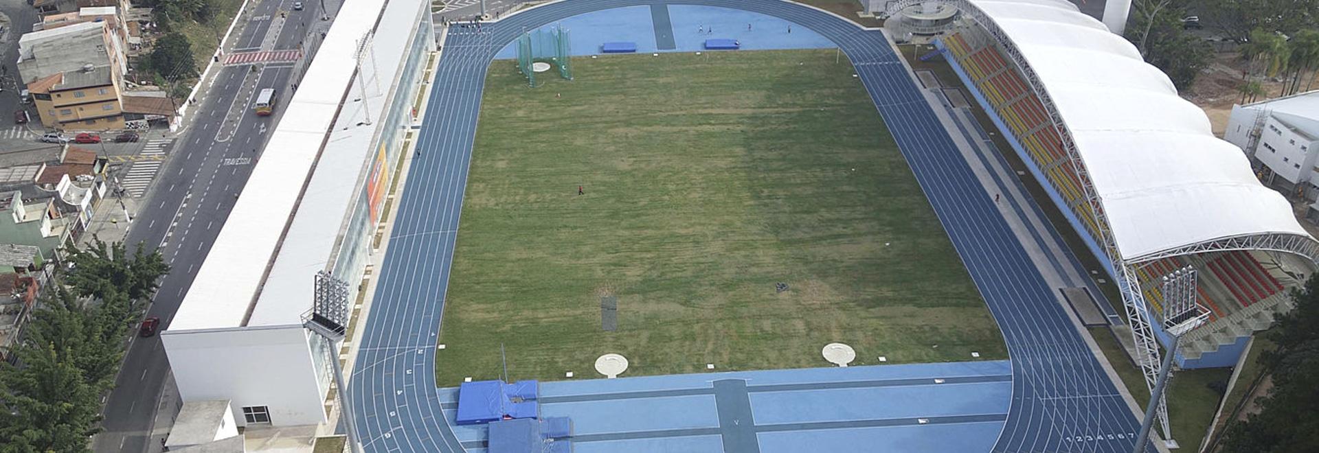 Los atletas superiores del Brasil están entrenando para las 2016 Olimpiadas en las pistas tartan de Regupol.