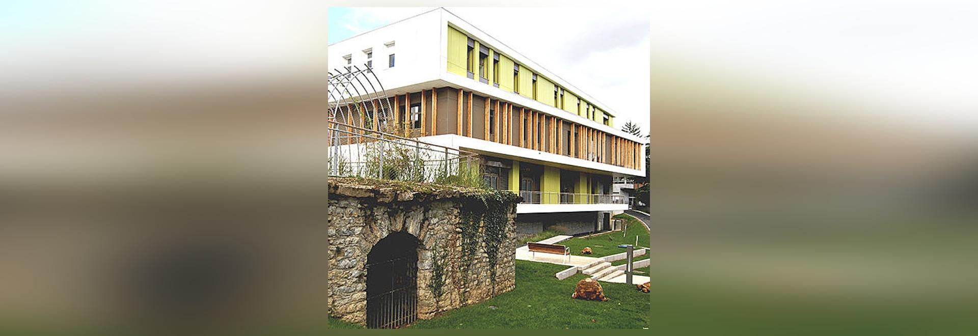 Ayuntamiento Saint Quentin Fallavier, Francia