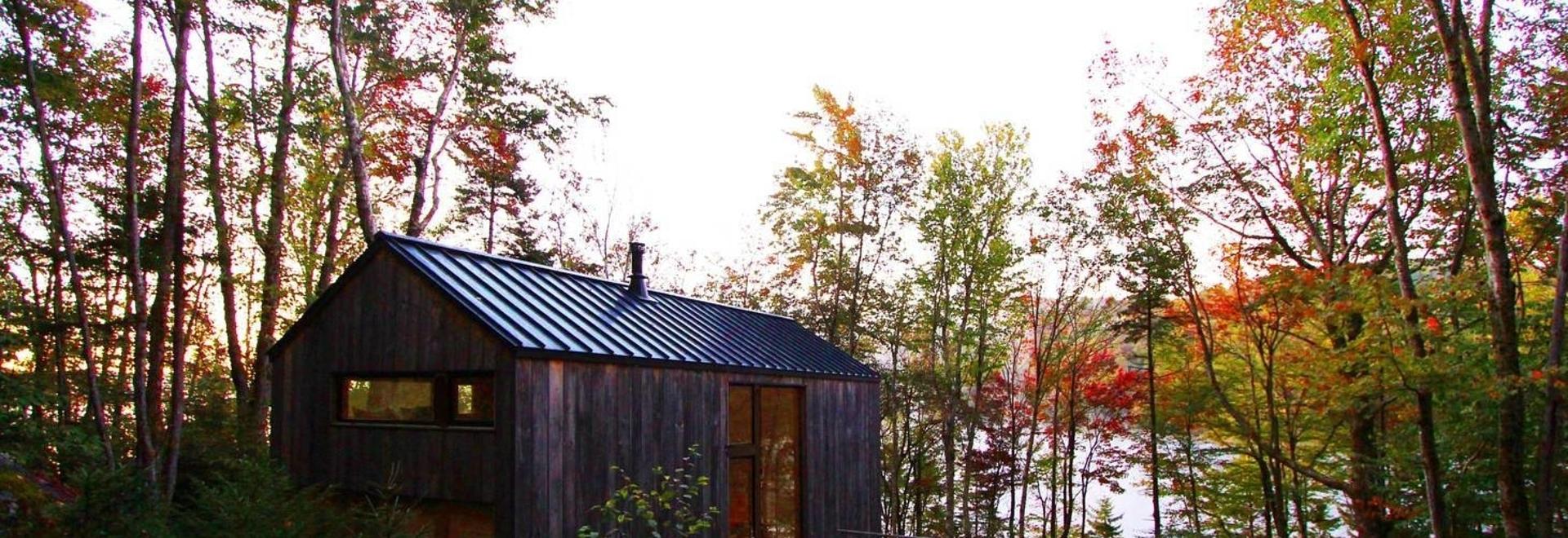 Cabaña en el Lago Remoto / Taller Stonorov