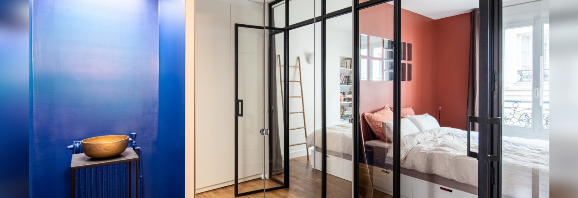 Componer un estilo moderno dentro de los confines de un antiguo piso de Pigalle