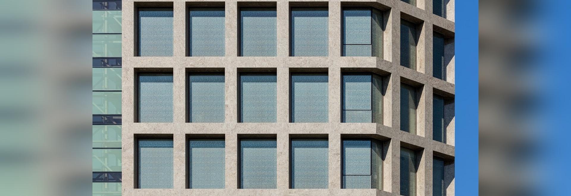 Corea del Sur. Las fachadas rigurosas de una señal urbana monolítica