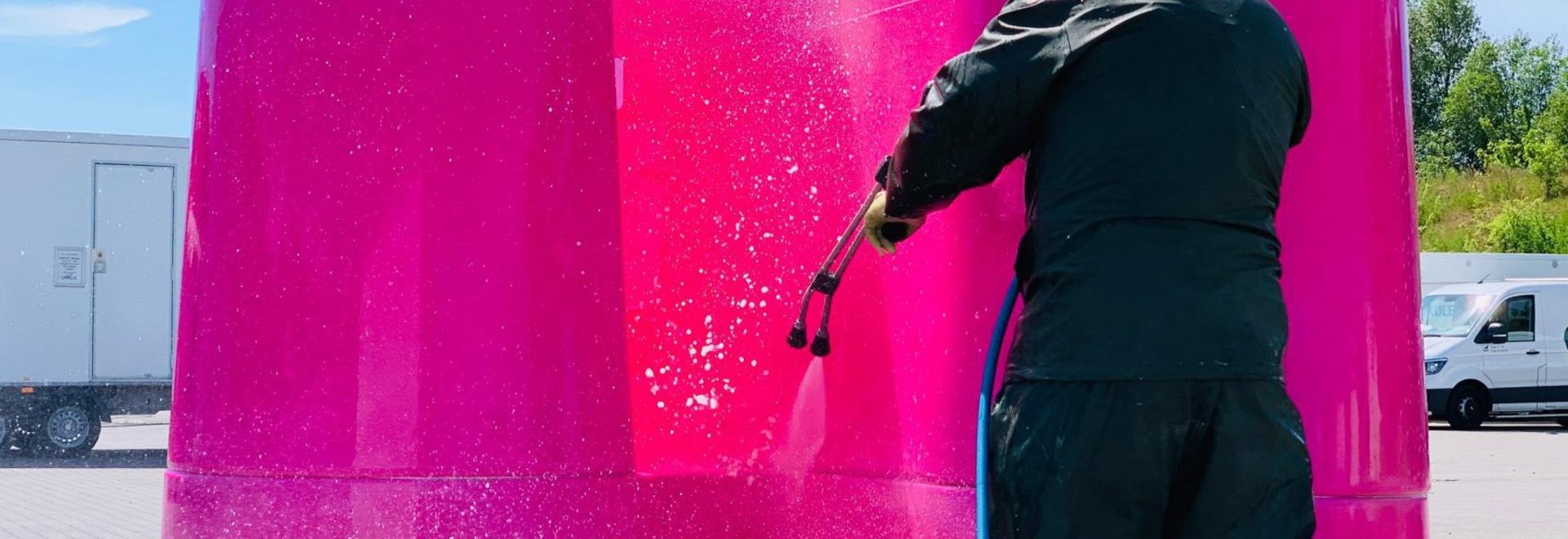 Los diseñadores de urinarios exteriores ofrecen soluciones al problema de los baños públicos en caso de pandemia