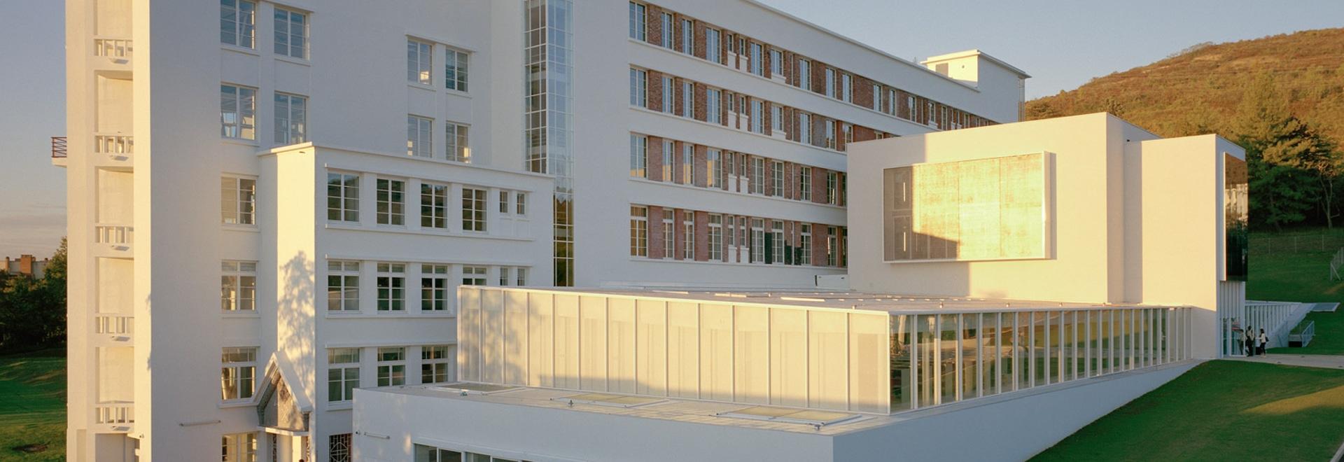 El Du Besset-Lyon transforma el sanatorio anterior en la escuela de Clermont-Ferrand de la arquitectura