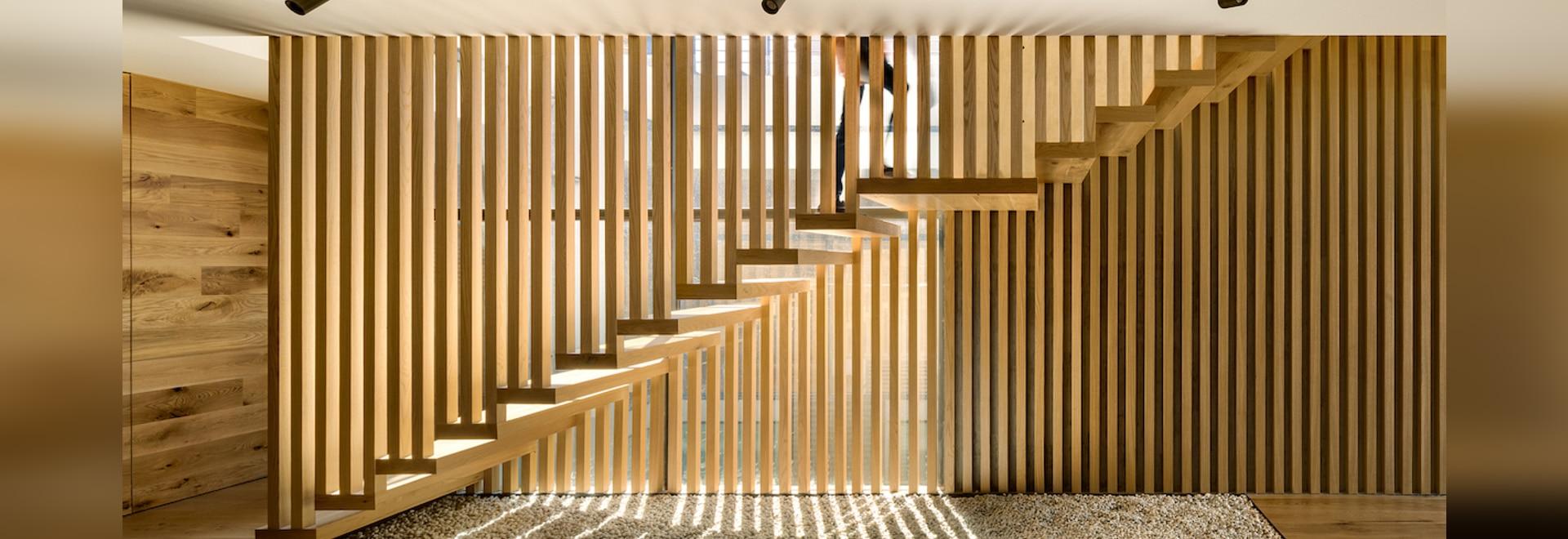 En esta casa de la Ciudad de México, la escalera es un espectáculo