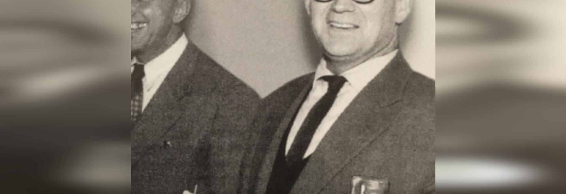 Herbert Hirche (1910-2002), arquitecto y estudiante de la Bauhaus, no sólo dio forma al desarrollo de productos en Wilkhahn en las décadas de 1950 y 1960, sino también a la planta de Wilkhahn con e...
