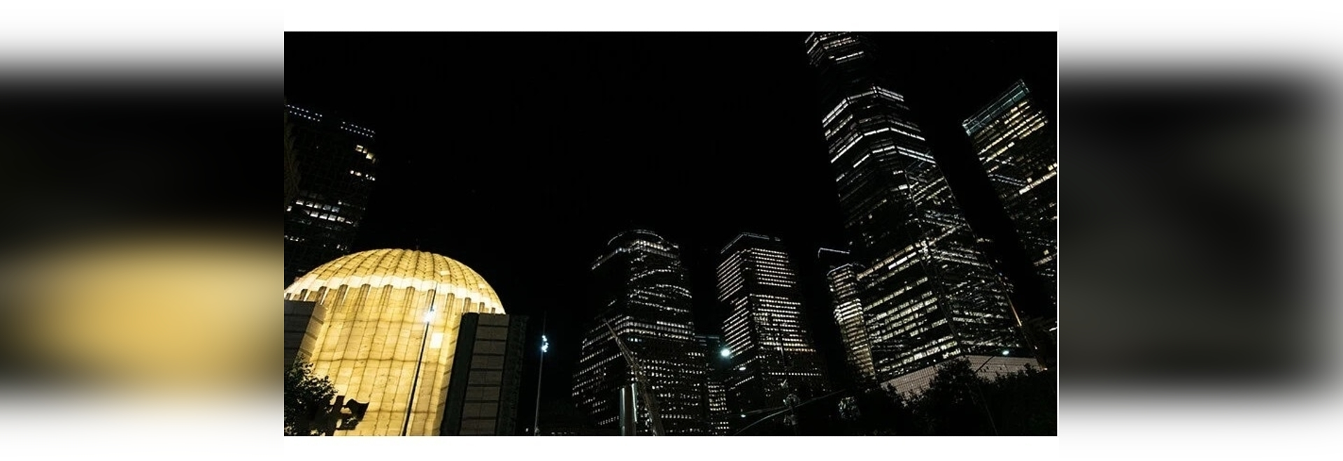 la iglesia de calatrava en el world trade center se ilumina por primera vez