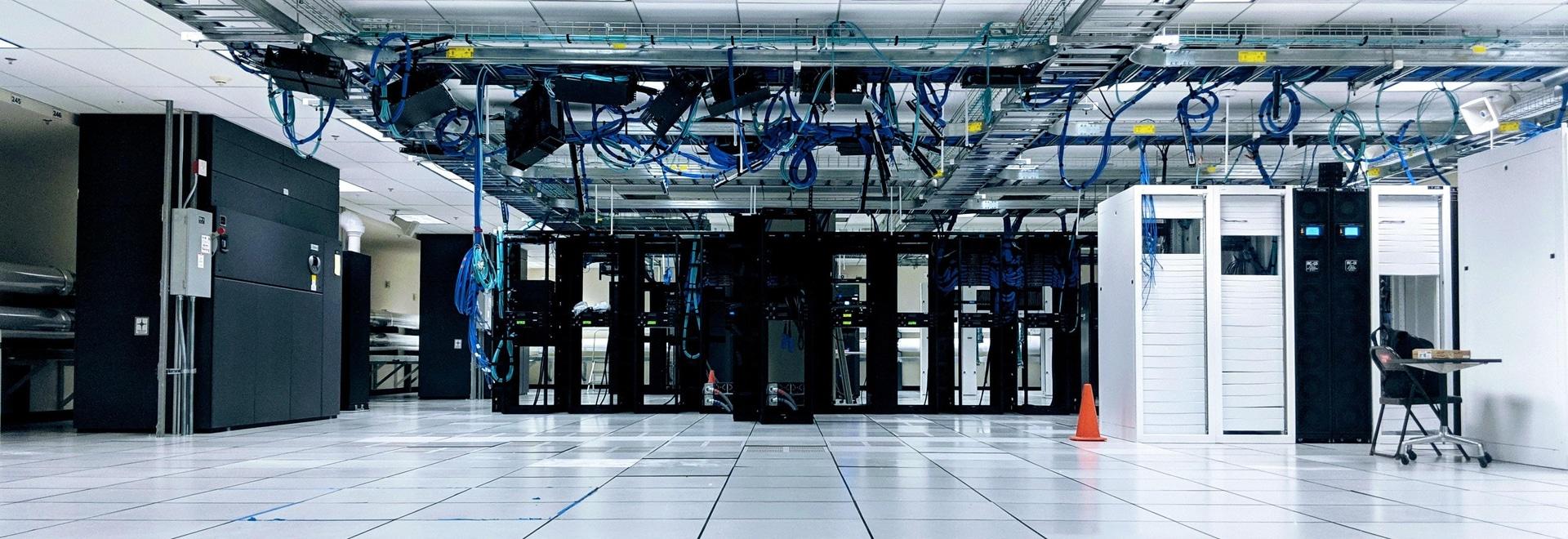 Sistemas de piso de acceso específicos para Centros de Datos