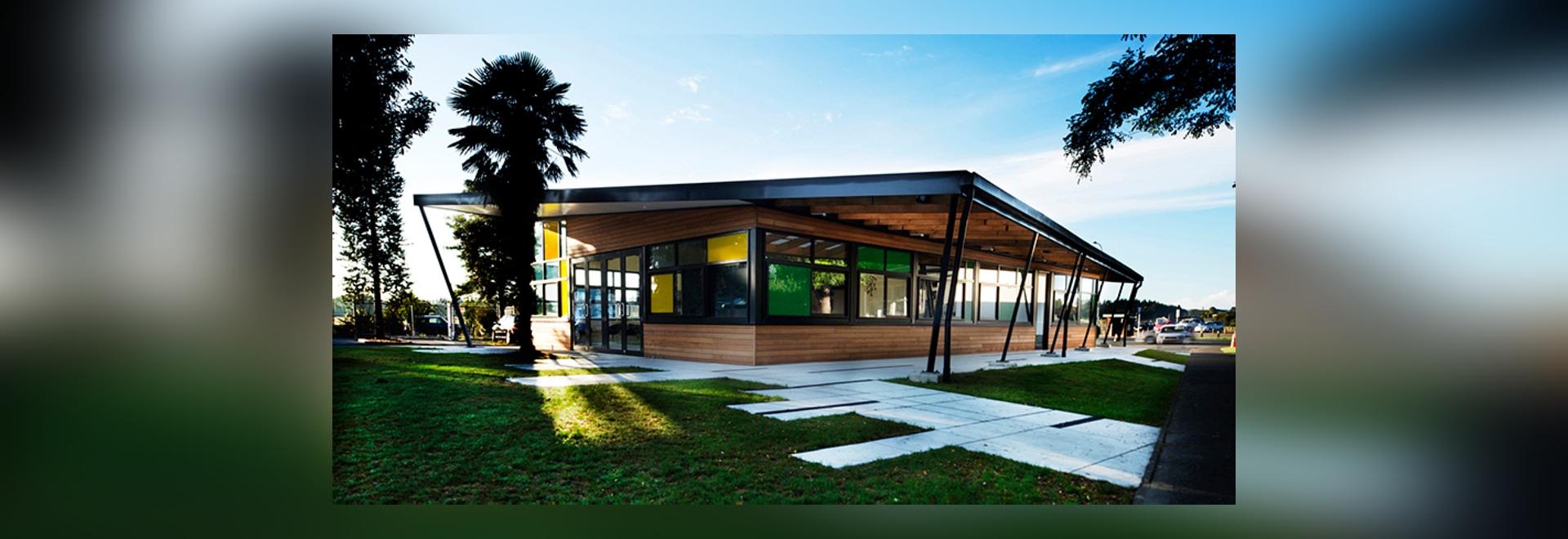 el stephenson y Turner re-se imaginan el edificio del admin de la escuela primaria en Auckland