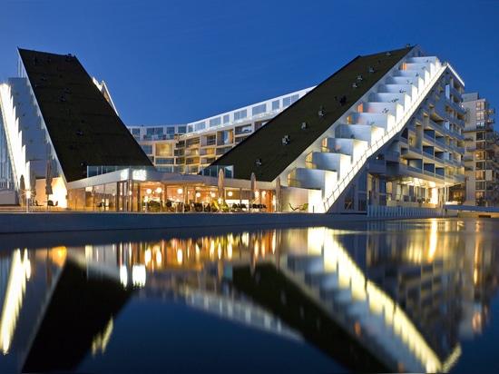 8House de los arquitectos GRANDES (Ørestad, Dinamarca, 2009)