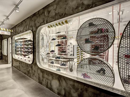 la entrada al salón de muestras de Estambul