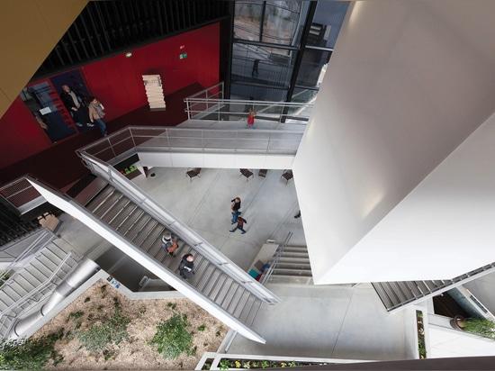 anima de los lugares geométricos, biblioteca alfa de los medios, Angoulême, Francia