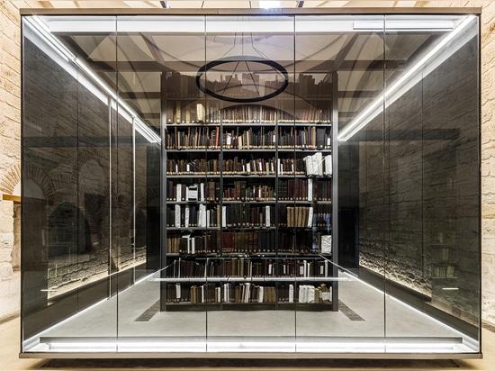 El diseño de los arquitectos de Tabanlioglu para la biblioteca pública de Beyazit en Estambul se ha revelado. El concepto ofrece una serie de pabellones de cristal del estante